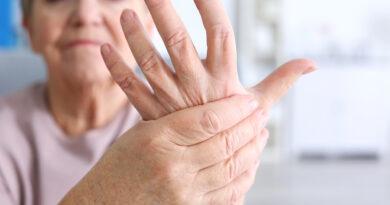 artritis en mujer de avanzada edad
