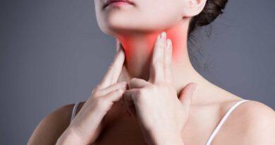 mujer con afectacion en las tiroides